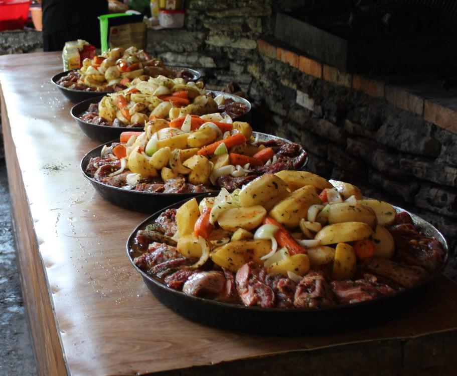 Название: Еда перед рафтингом в Черногории.JPG Просмотры: 362  Размер: 195.3 Кб