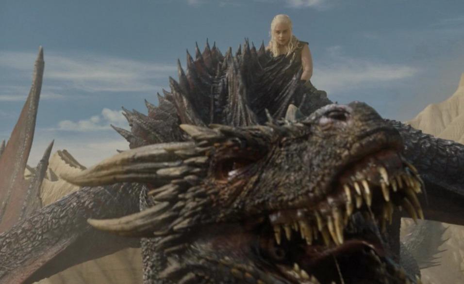 Название: Эмилия Кларк на драконе.jpg Просмотры: 60  Размер: 97.8 Кб