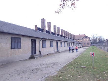 Нажмите на изображение для увеличения Название: Здание для сжигания людей - Освенцим.jpg Просмотры: 249 Размер:111.2 Кб ID:19731