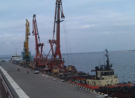Нажмите на изображение для увеличения Название: Корабли в одесском морском вокзале.jpg Просмотры: 151 Размер:60.2 Кб ID:20814